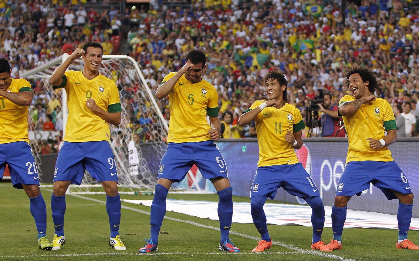 Brazil National Team 2013 Gangnam Style 1600x1000