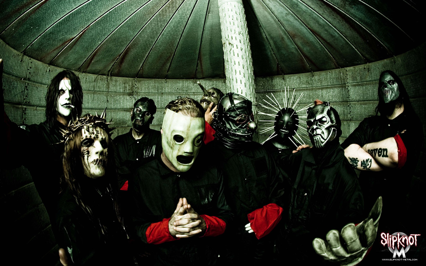 Download Wallpaper Slipknot Logo On Black Pictures to pin 1440x900