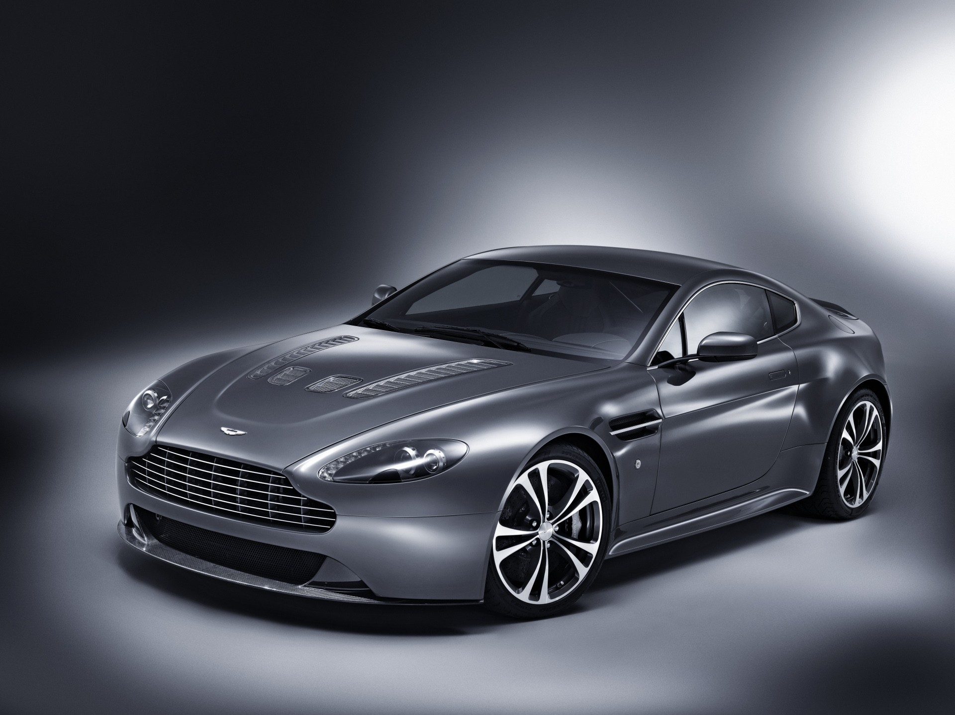 Aston Martin Db Large Wallpapers Download HQ Backgrounds HD 1920x1438