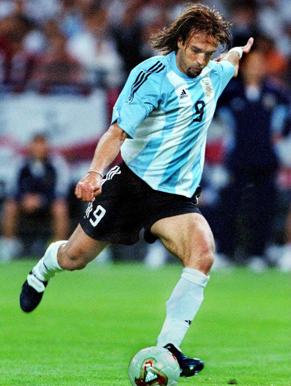 Gabriel Batistuta Argentina Legend   Soccer Series 840x1112