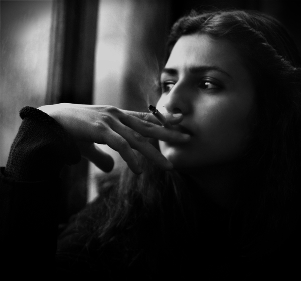 beautiful sad girls wallpapers hd download MediaShare 98 600x560