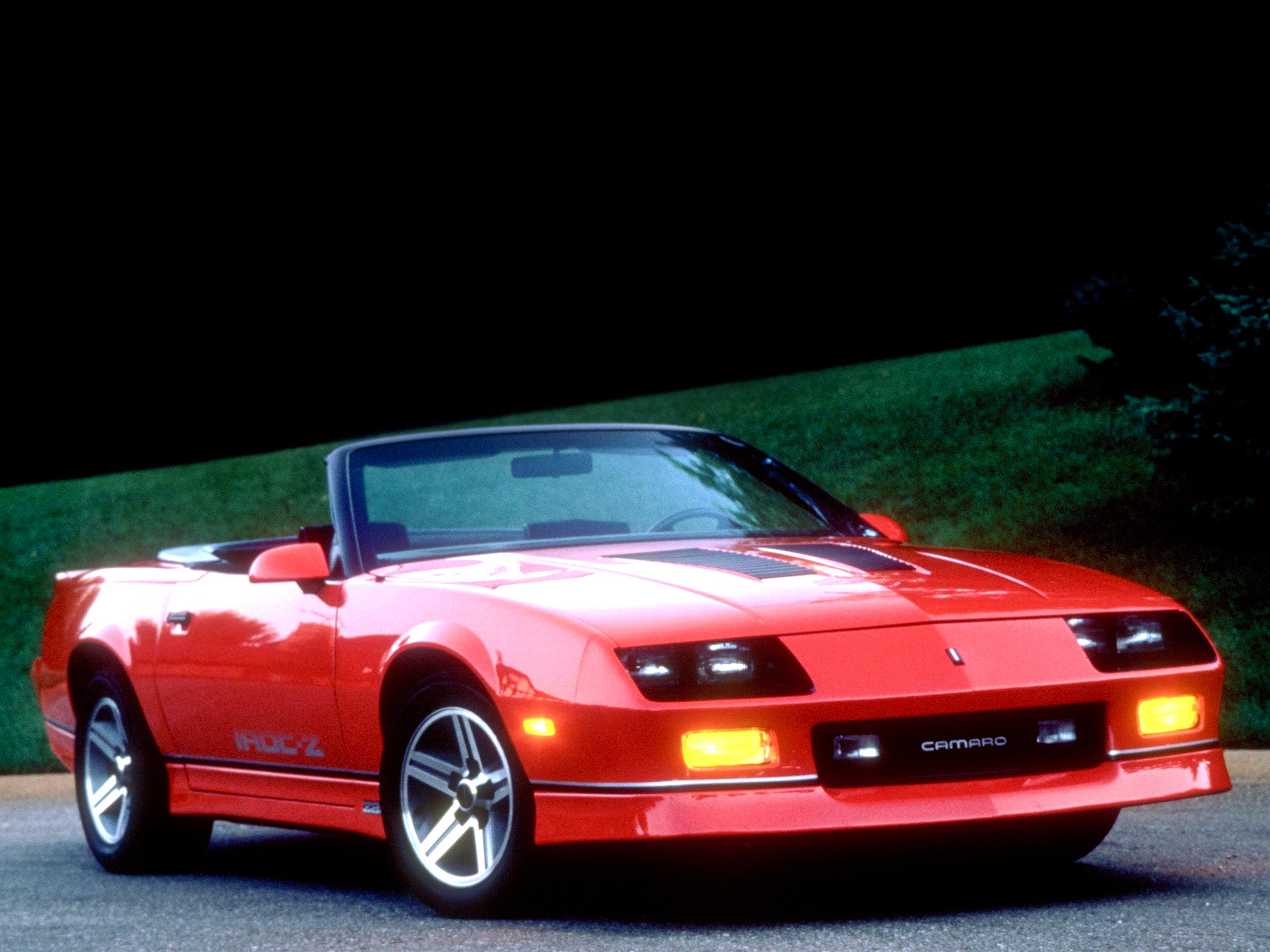 Chevrolet Camaro IROC Z Wallpapers High Quality Download 1600x1200