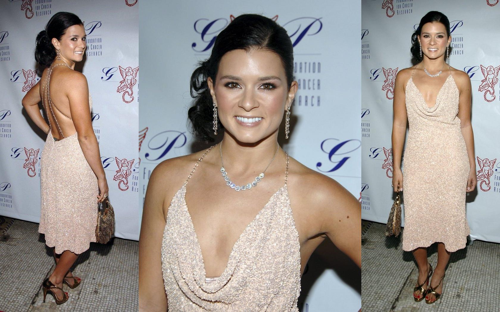 Danica Patrick   Wallpaper Actress 1680x1050