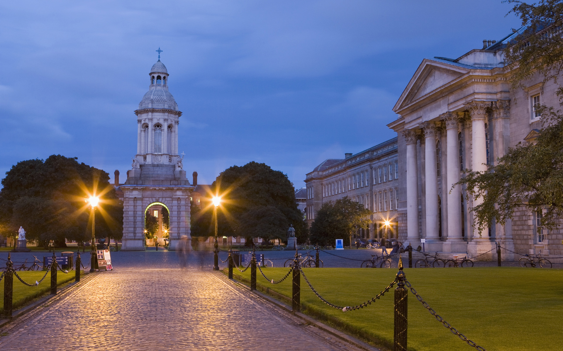 in the early evening Dublin Ireland Wallpaper Wallpapers 1920x1200