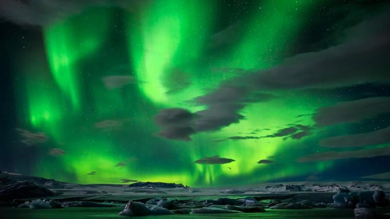 Northern Lights HD Wallpaper - WallpaperFX