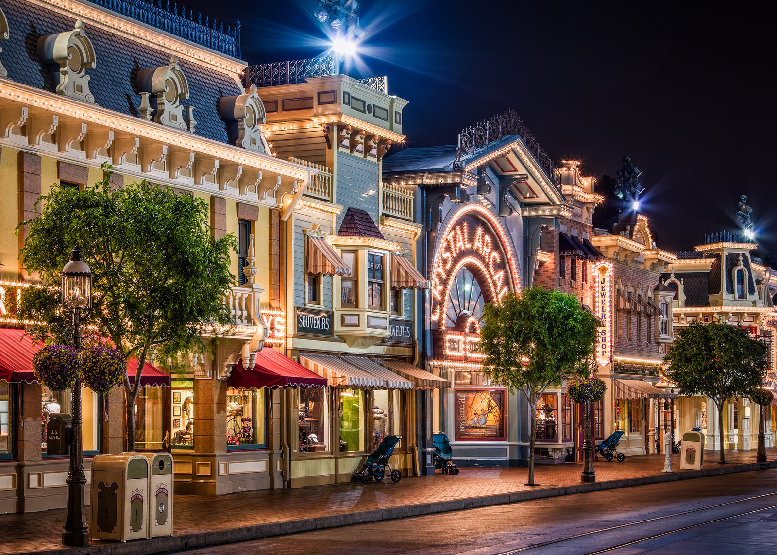 Disneyland Hd Wallpaper Mega Wallpapers 1600x1143