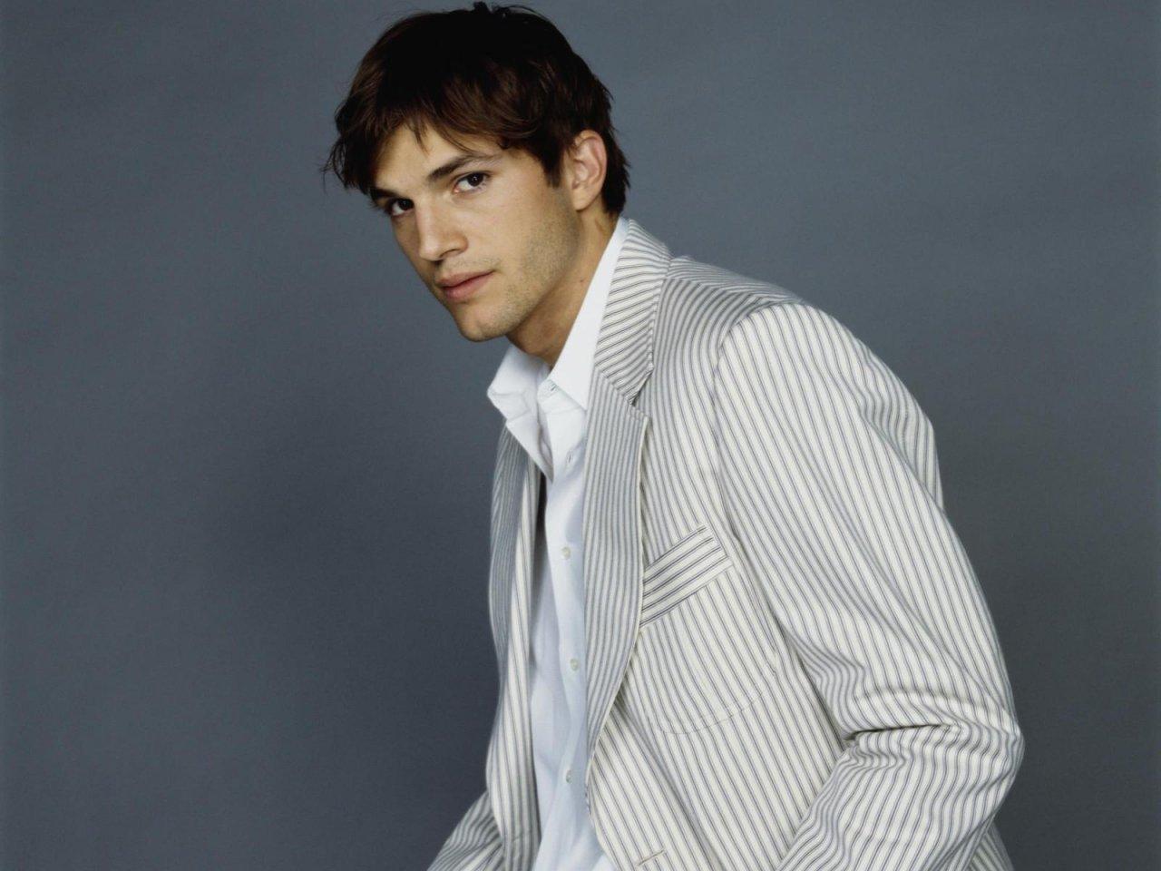 Ashton Kutcher   Ashton Kutcher Wallpaper 20058795 1280x960