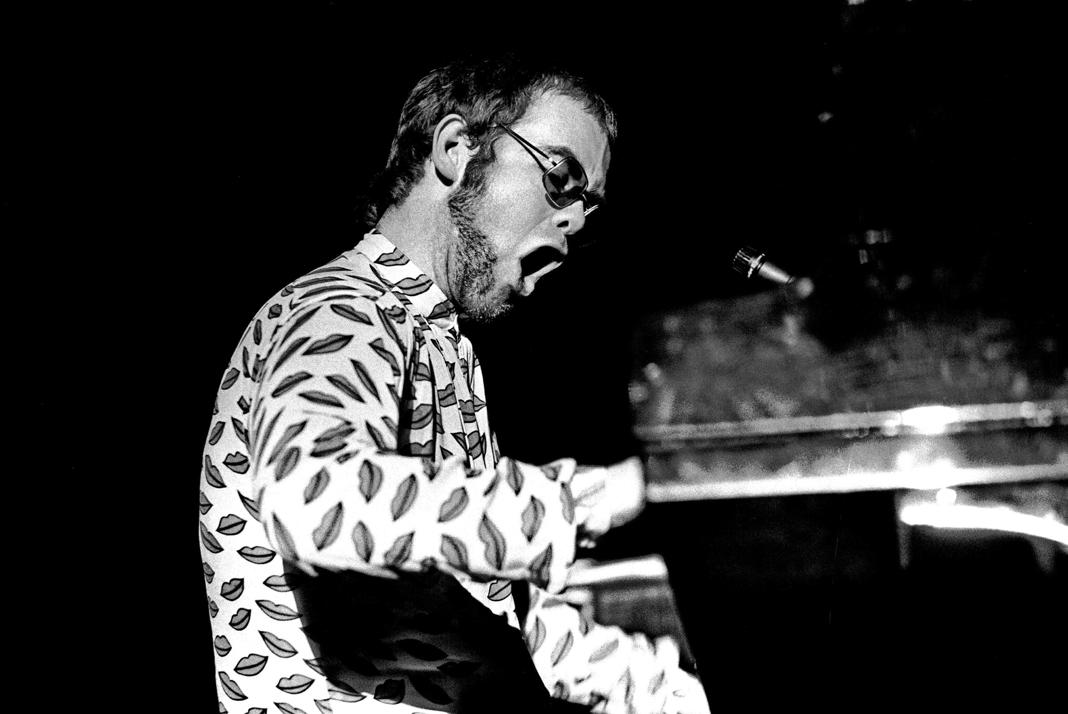 Elton John Singer Musician Performance Bw   Stock Photos 3452x2310