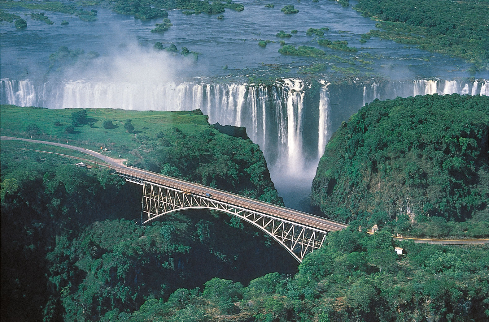 Amazing Victoria Falls Scenery Photos HD Wallpapers Location Details 1579x1041