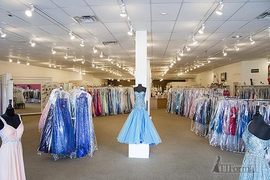 grand rapids prom dress shops 550x367