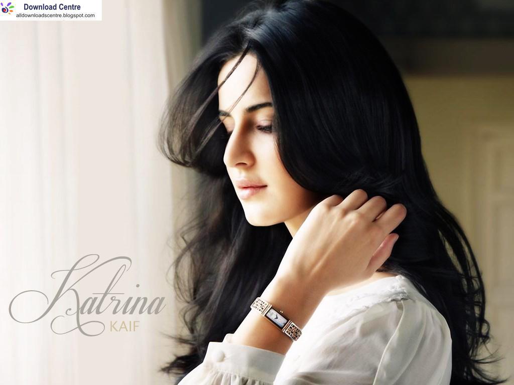 Download Centre Katrina Kaif Cute Wallpaper 1024x768