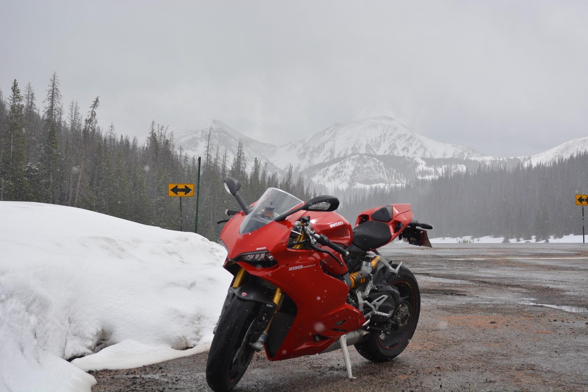 Ducati Superbike 1299 Panigale S 2015 HD wallpaper 1920x1280