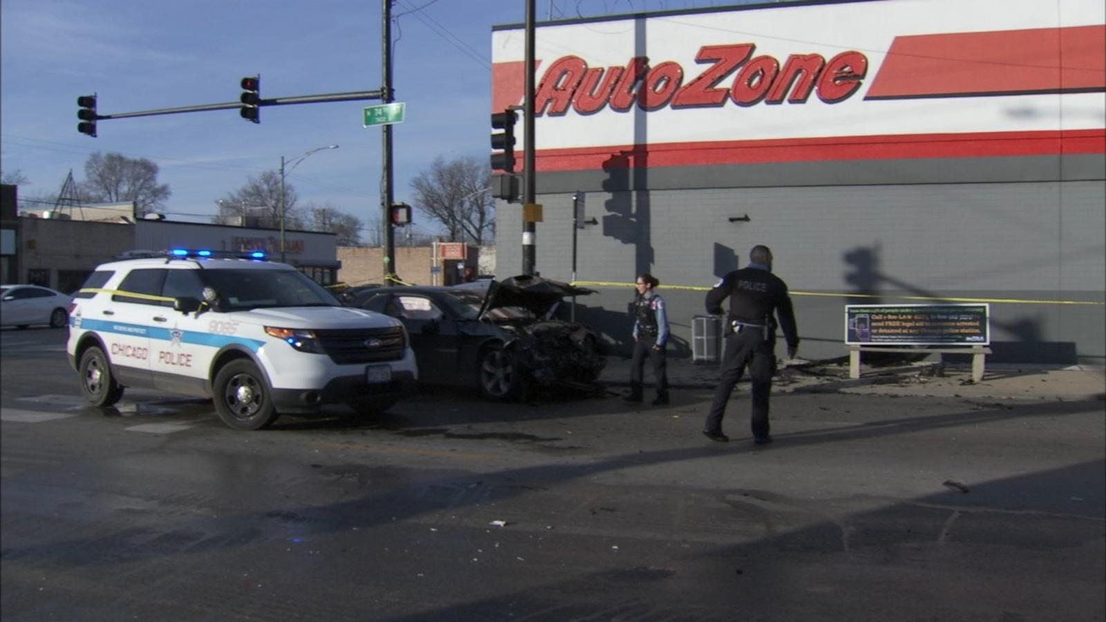 Crash sends car into South Side Autozone 4 injured abc7chicagocom 1600x900