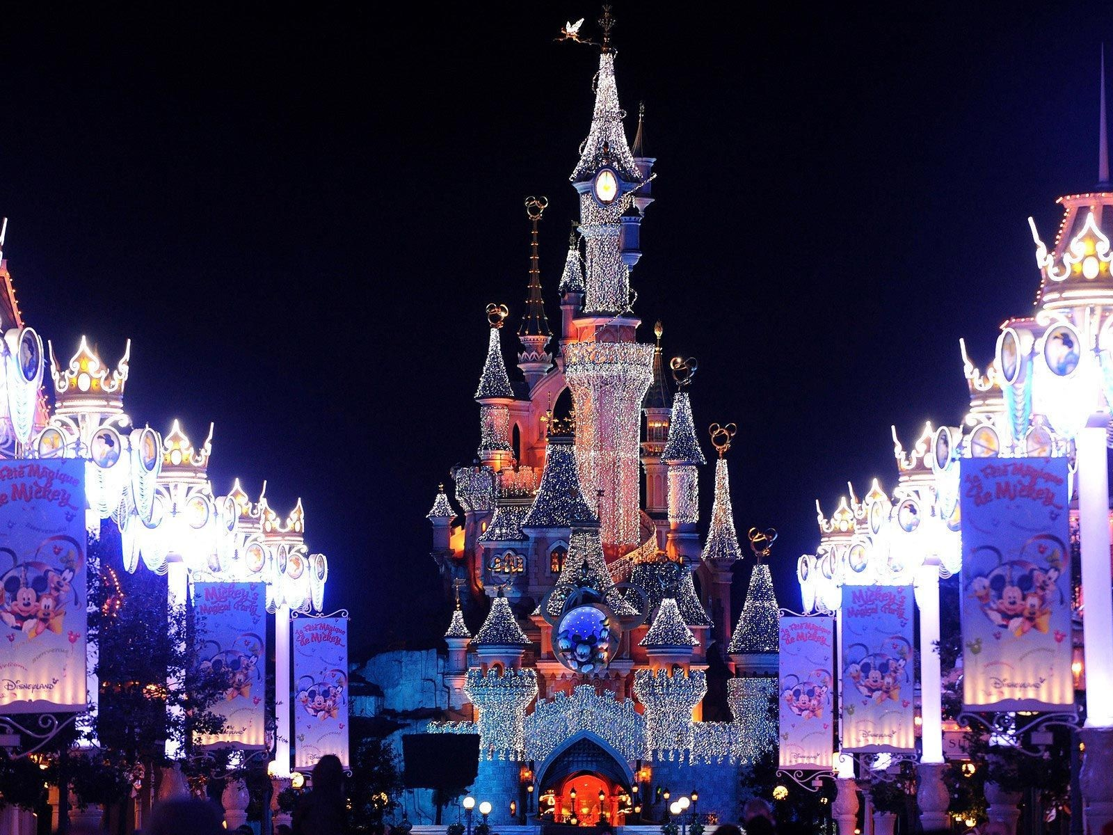 wallpaper Disneyland Park Wallpaper hd wallpaper background desktop 1600x1200