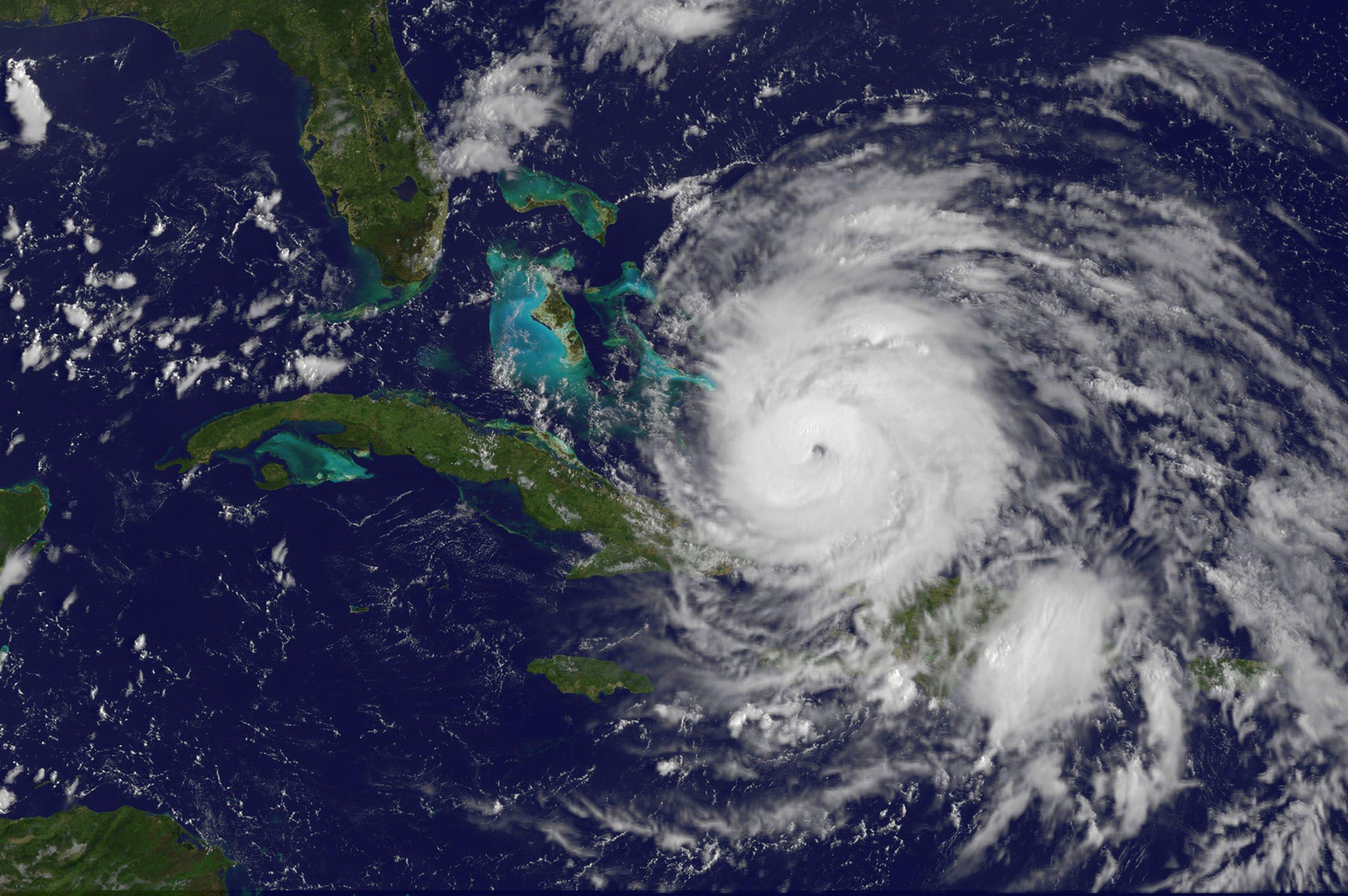NASA   Hurricane Season 2011 Hurricane Irene Atlantic Ocean 3600x2393