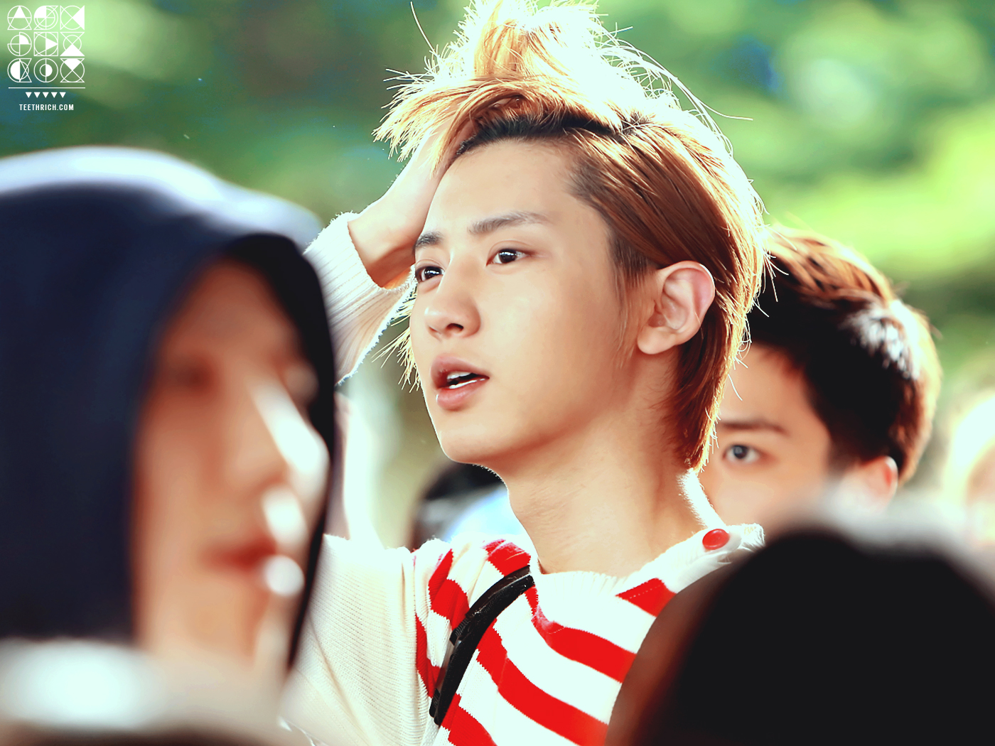 chanyeol K-pop star chanyeol of exo arrived at the tommy hilfiger tommynow icons fall 2018 runway show in shanghai with golden blonde hair, which was a major change from his usual black.
