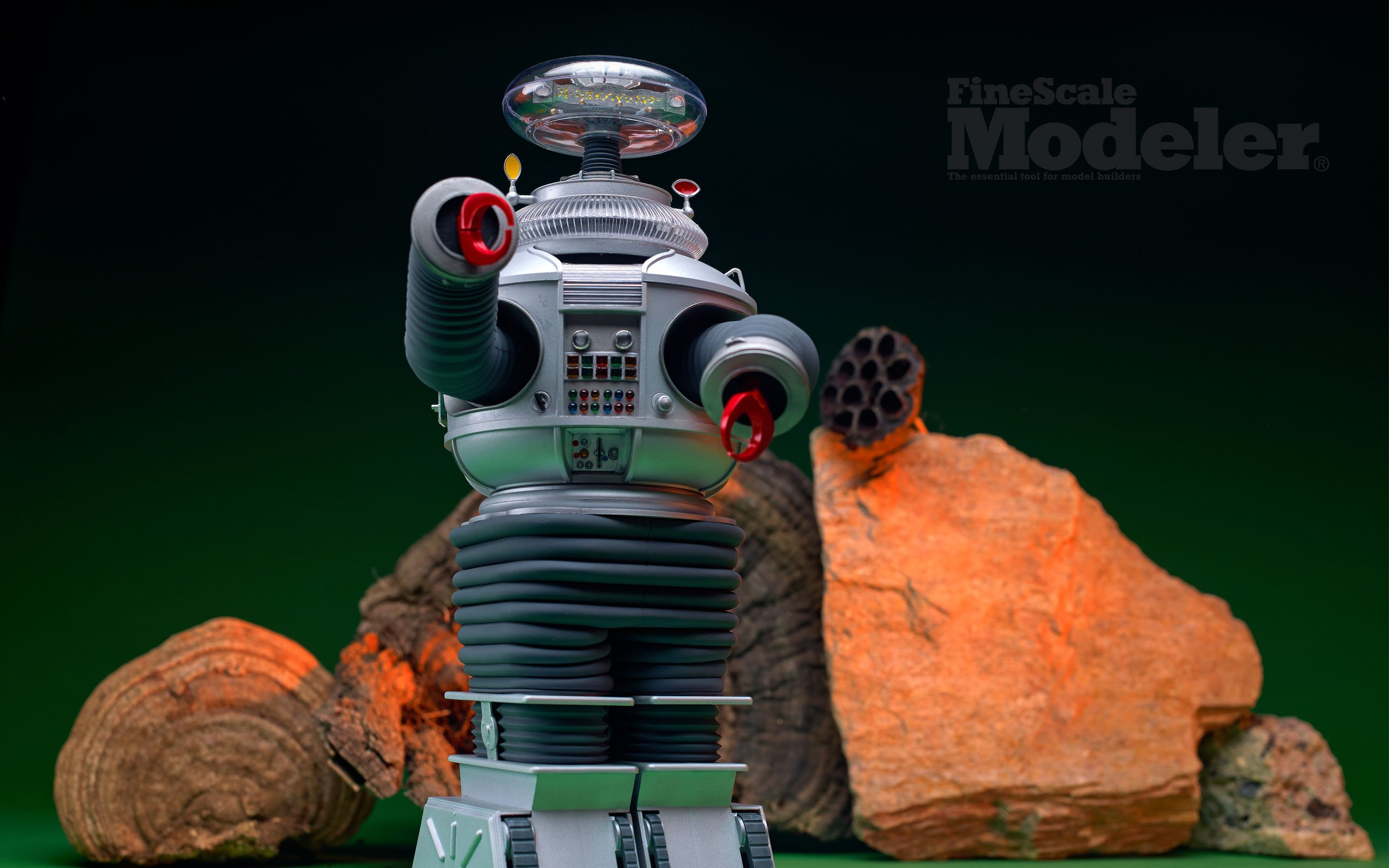 Lost in Space Robot B9 from Moebius Models   FineScale Modeler 2520x1575