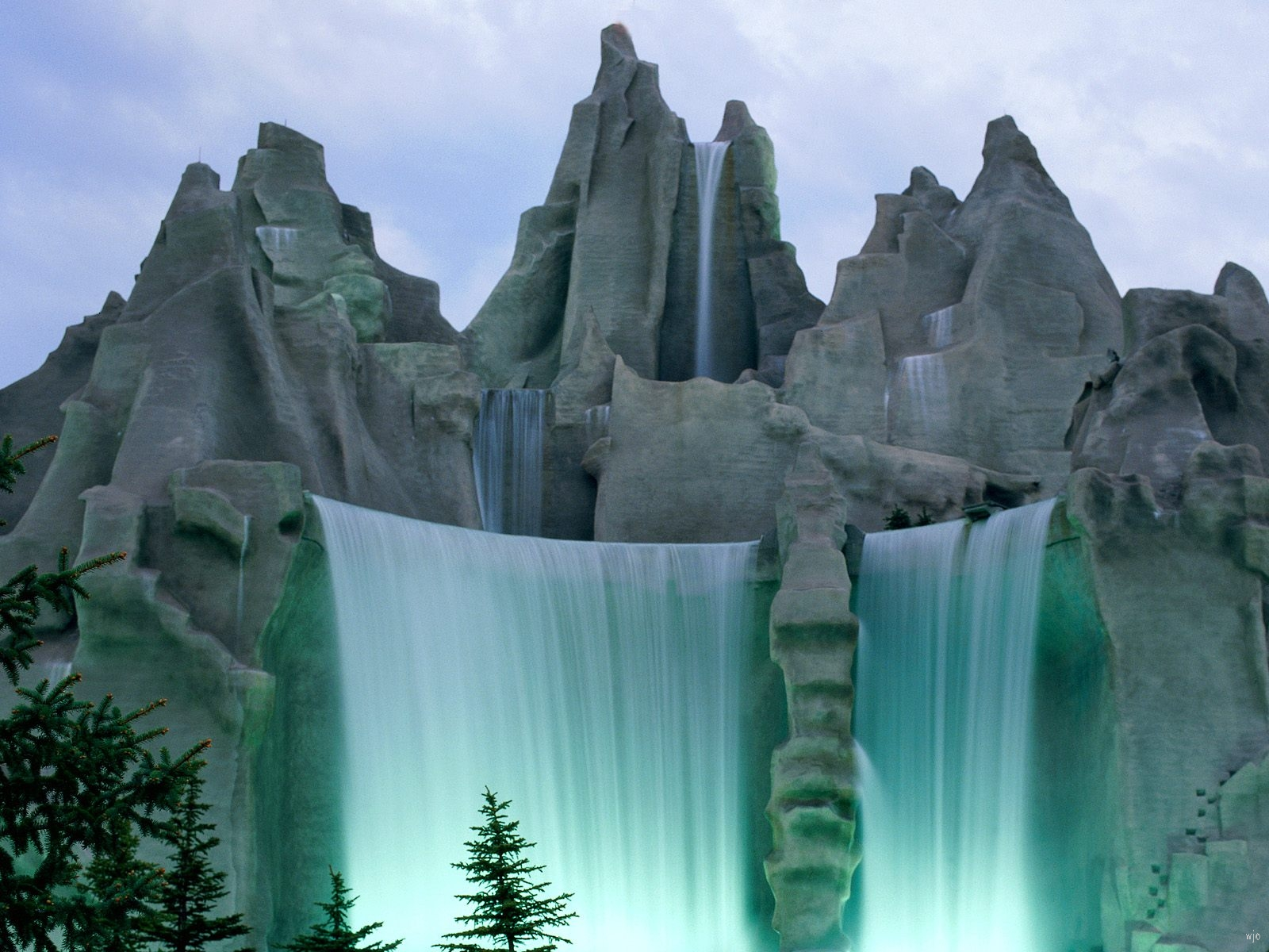 Area Ontario Canada   Nature Wallpaper Image featuring Waterfalls 1600x1200