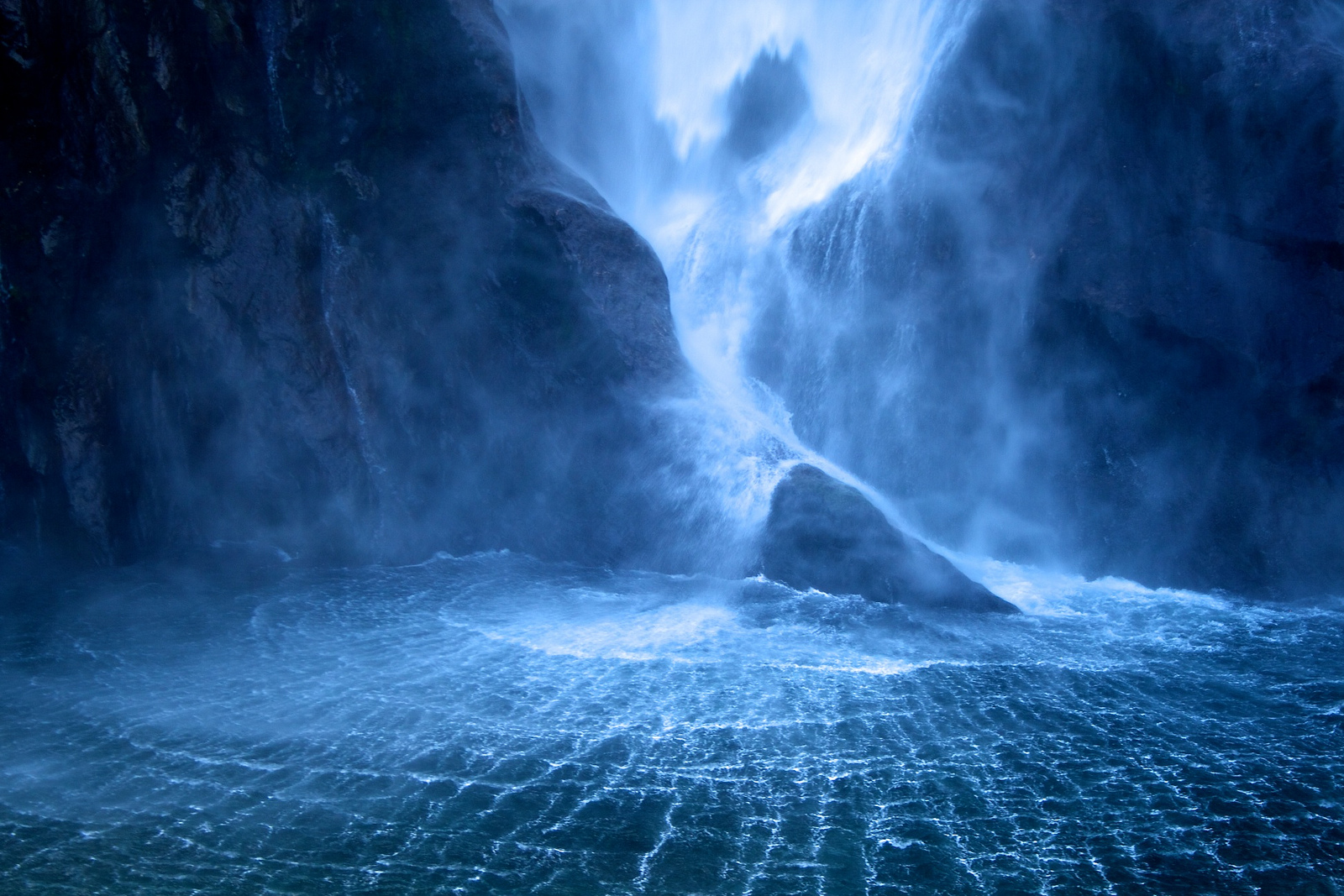 Cool Water Backgrounds