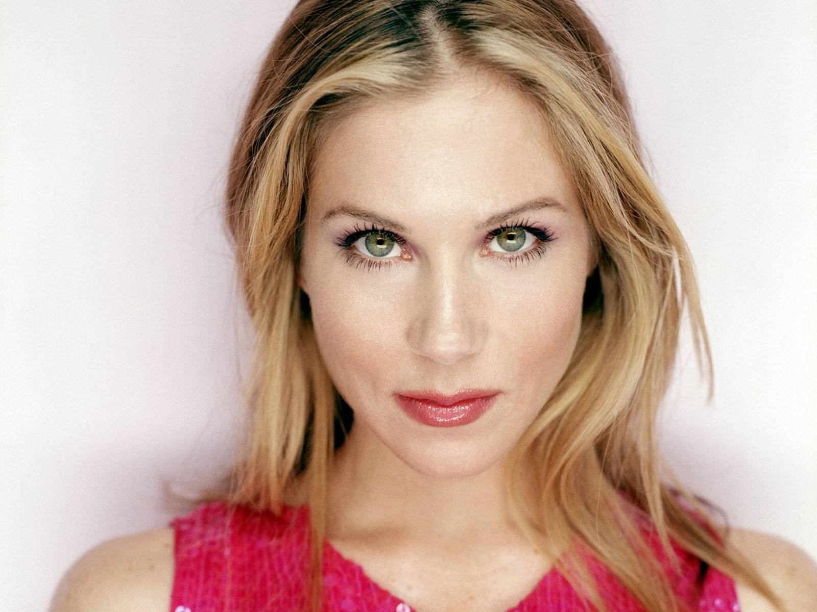Christina Applegate Wallpapers High Resolution and Quality 1600x1200