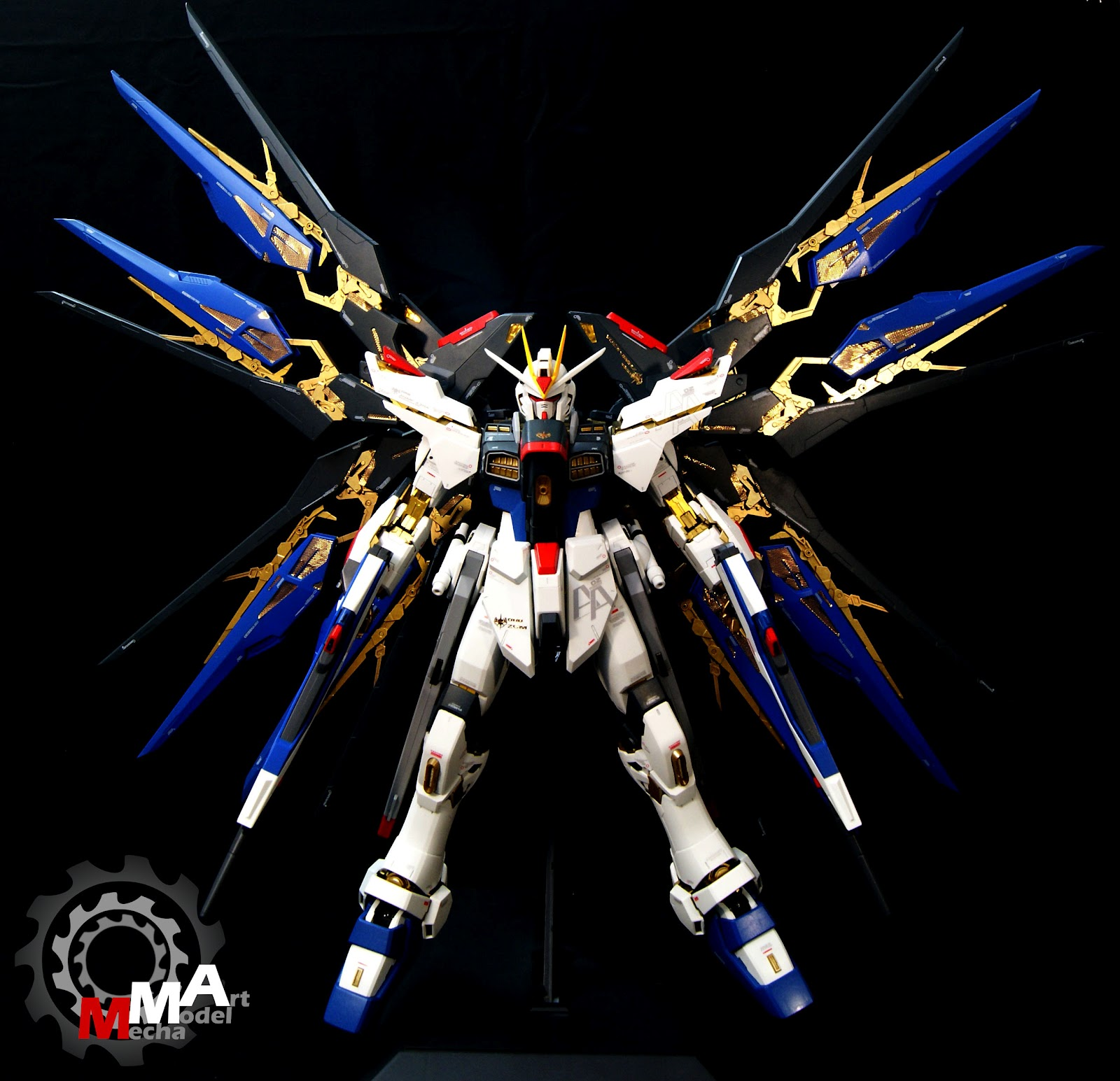 PG 160 Strike Freedom Gundam Painted Build Photoreview Wallpaper 1600x1545