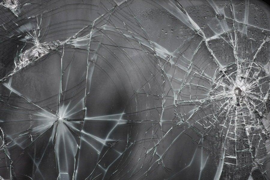 Cracked Screen Prank 900x600