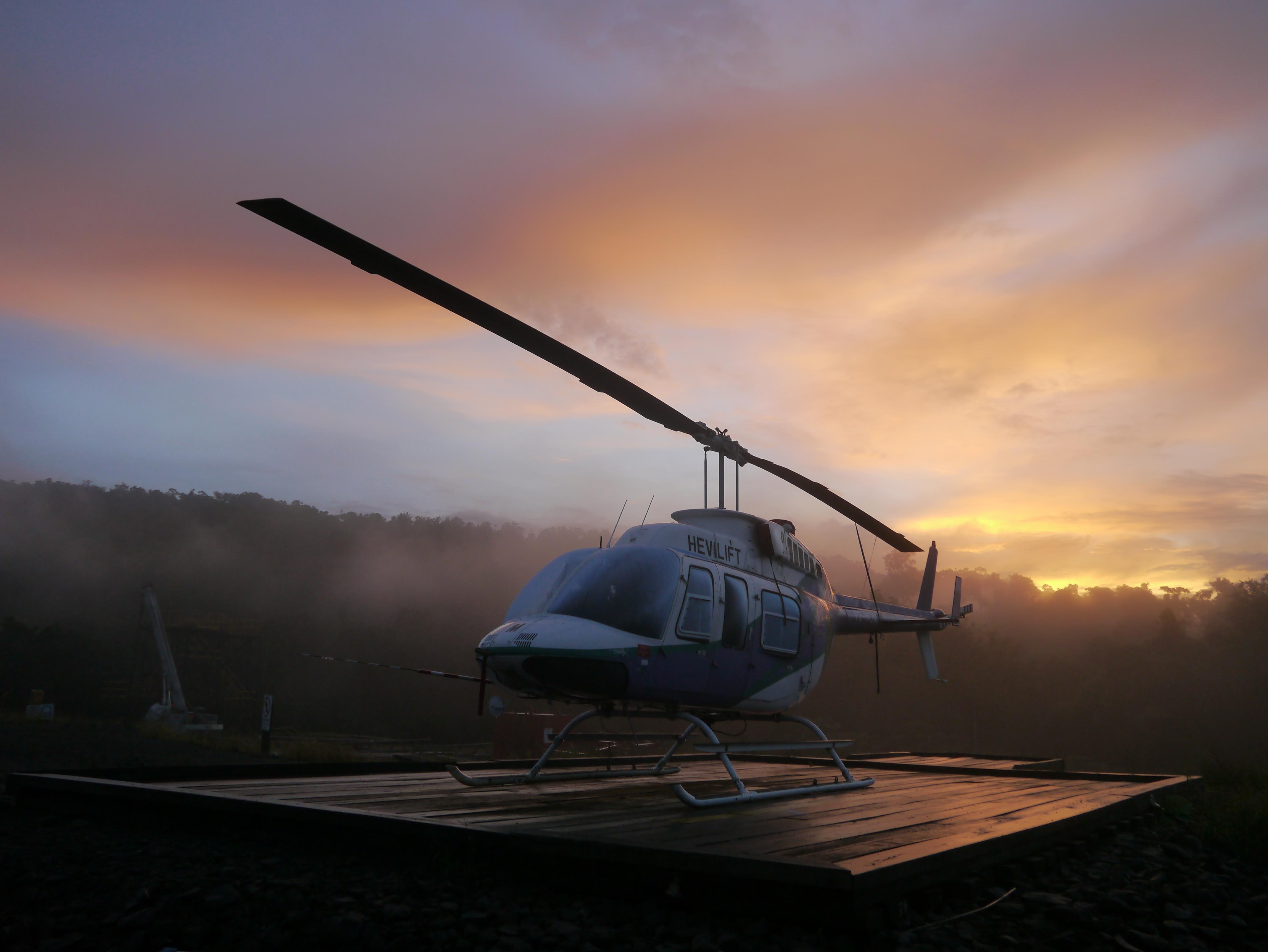 Wallpaper helicopter chopper bell 206 longranger sunrise jungle 4592x3448