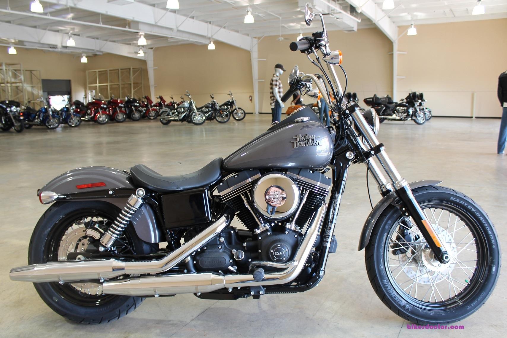 Harley Davidson Street Bob SE Milwaukee Scorching Road Test Bikes 1709x1140