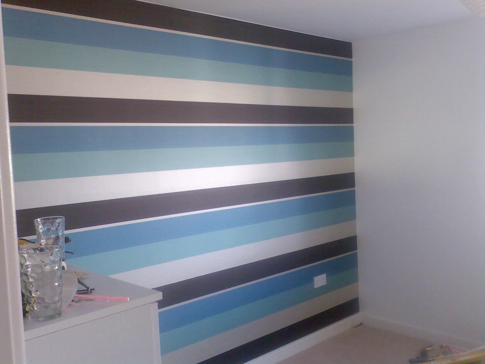 Exclusive horizontal wallpaper in a bedroom in Northampton Painters 1600x1200