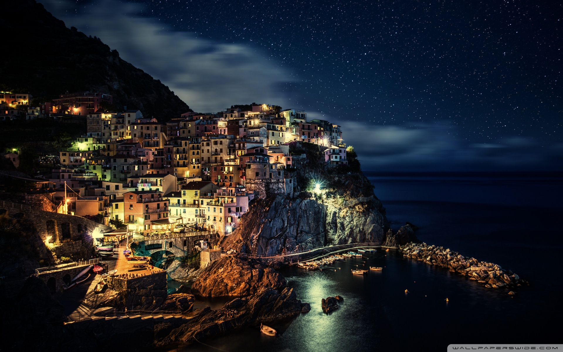 Manarola Town in Italy 4K HD Desktop Wallpaper for 1920x1200