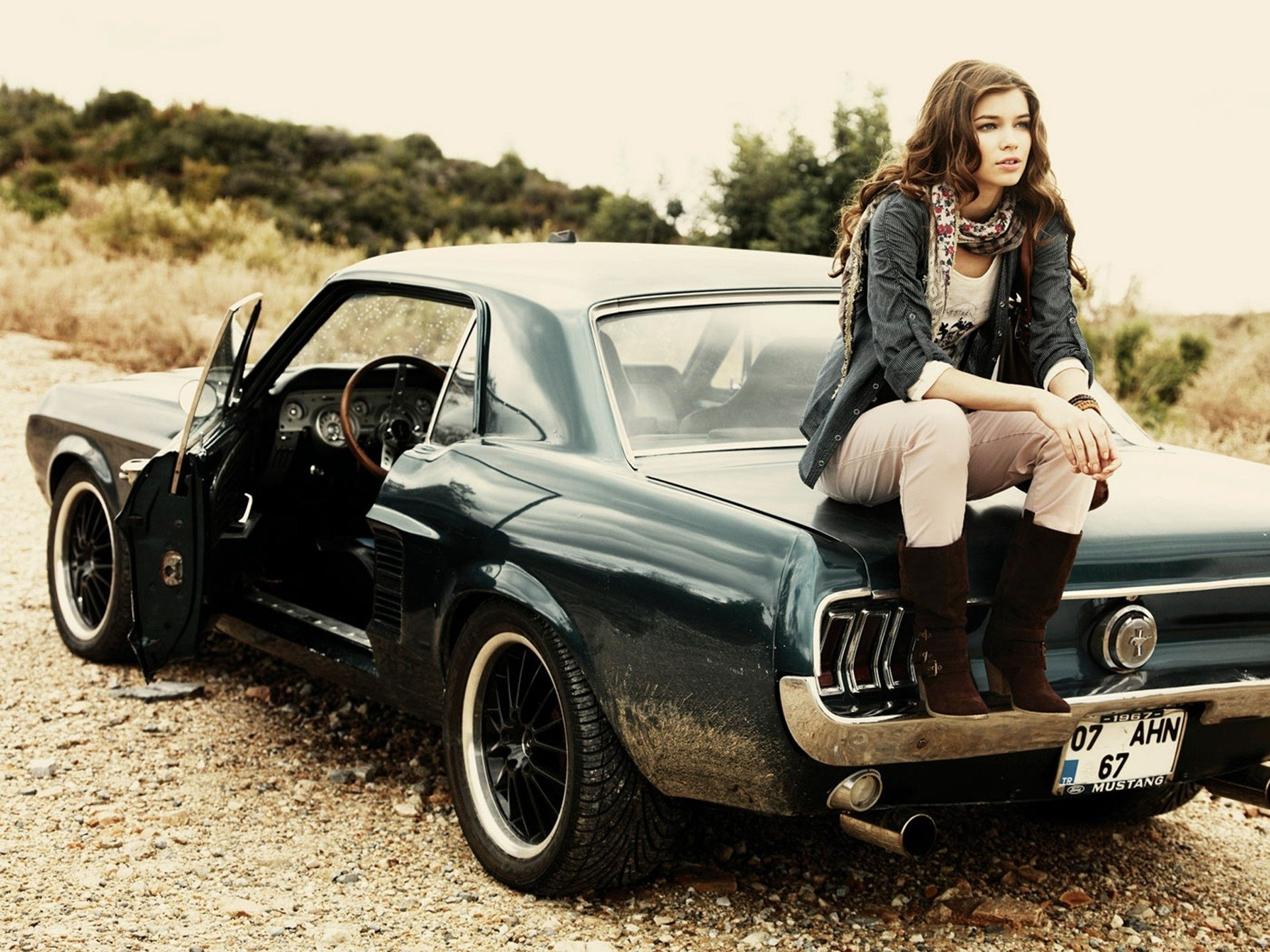 download muscle car girl wallpaper which is under the car wallpapers 1920x1440