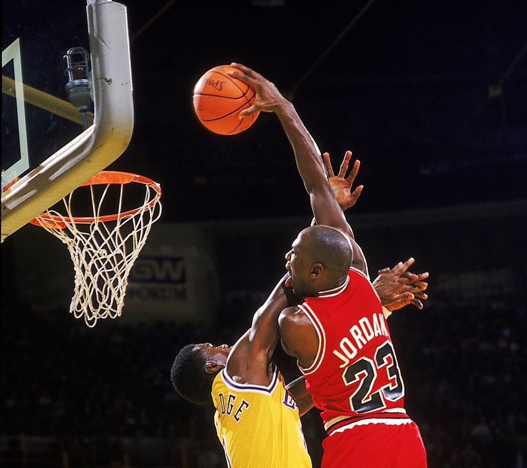 Michael Jordan Dunking Wallpaper