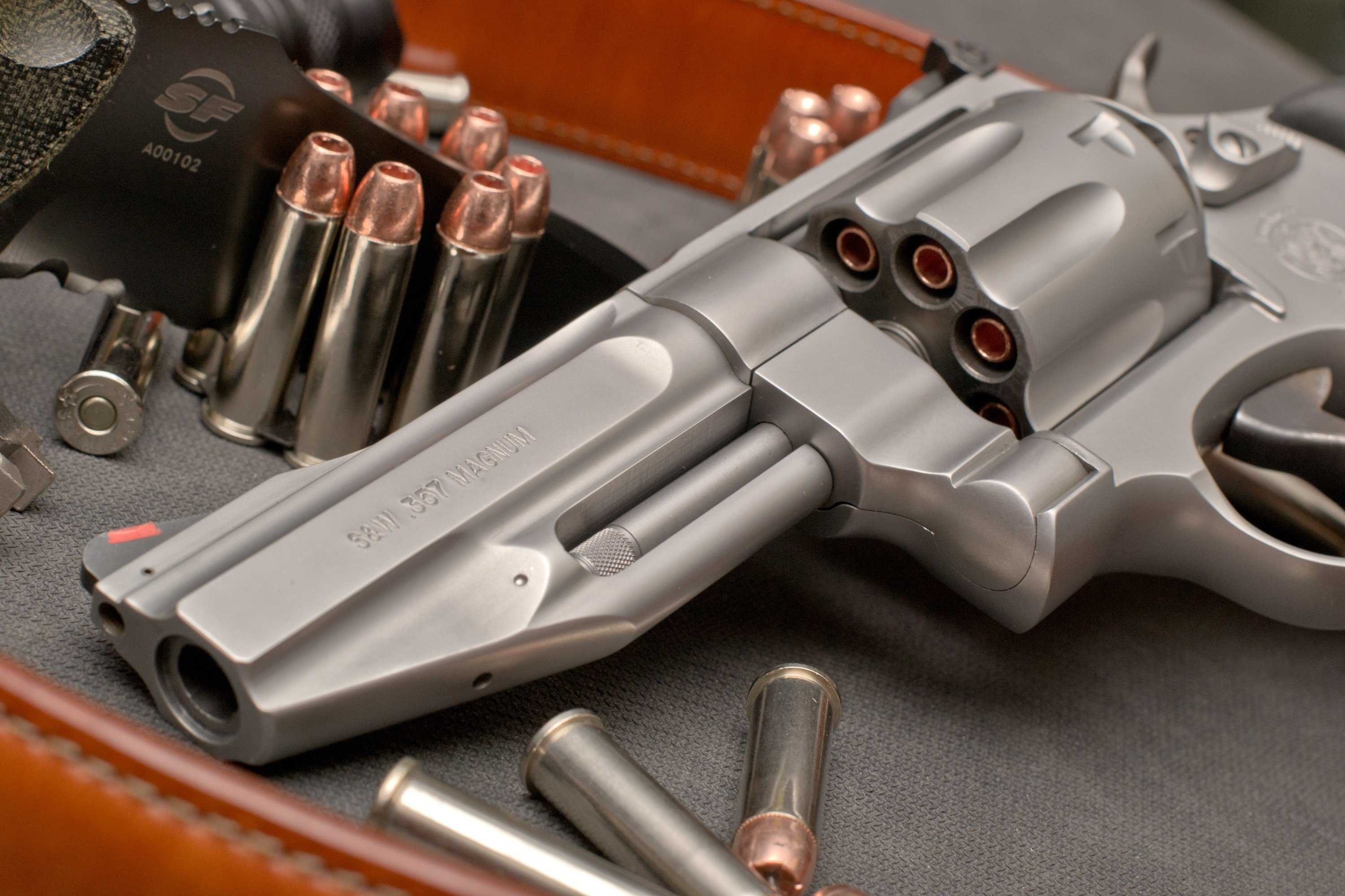 guns Smith and Wesson 357 magnum Wallpapers 3000x2000