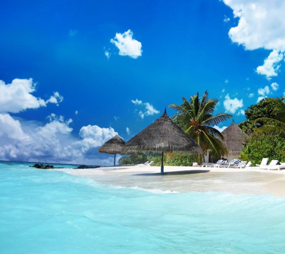 Beautiful Island Pictu...