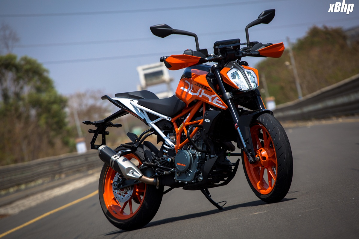 2017 KTM 390 Duke Review Rioters 1200x800