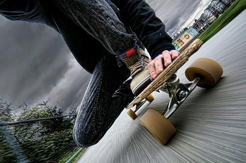 Foto Junge cool Longboard Fotografie skate Photos Pictures Pics 500x332