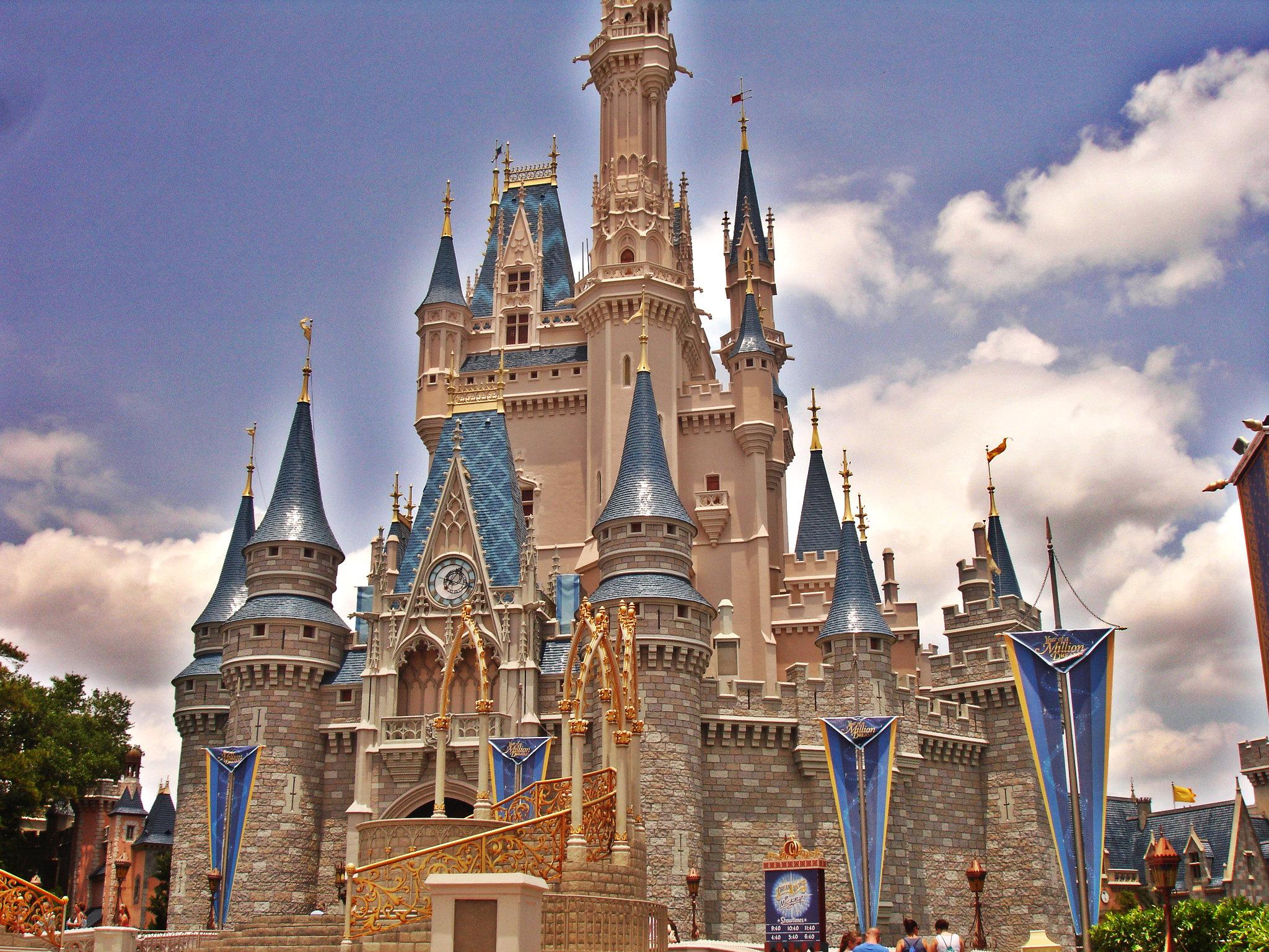 Disney Castle Wallpapers Free Wallpapersafari