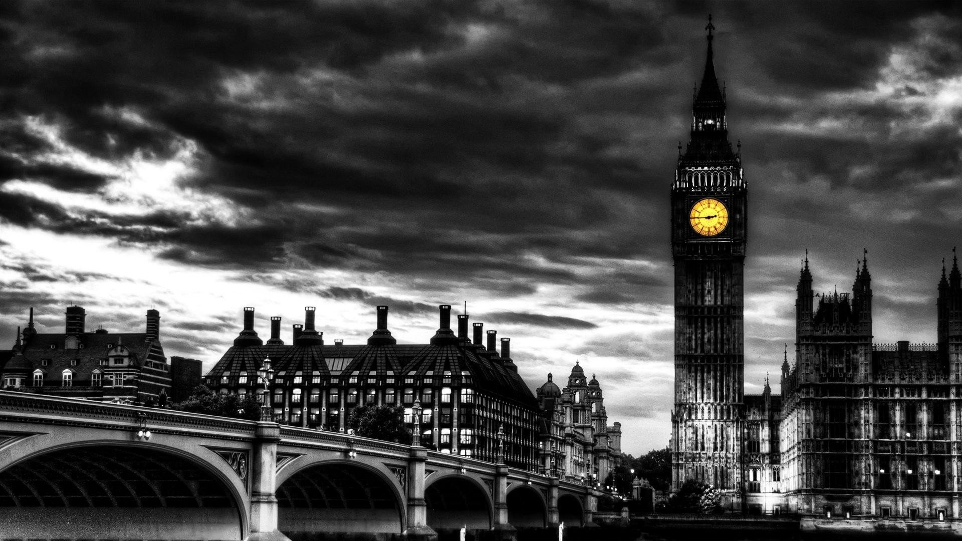 Beautiful Wall Clock Black And White London Wallpaper Wallpapersafari