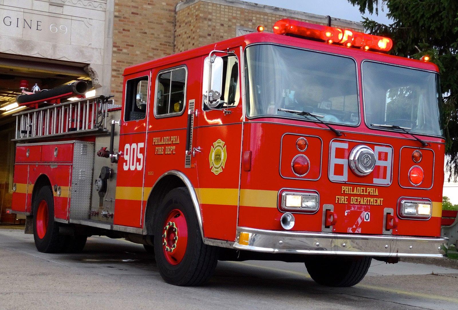 Fire dept wallpaper wallpapersafari - Camion pompier cars ...