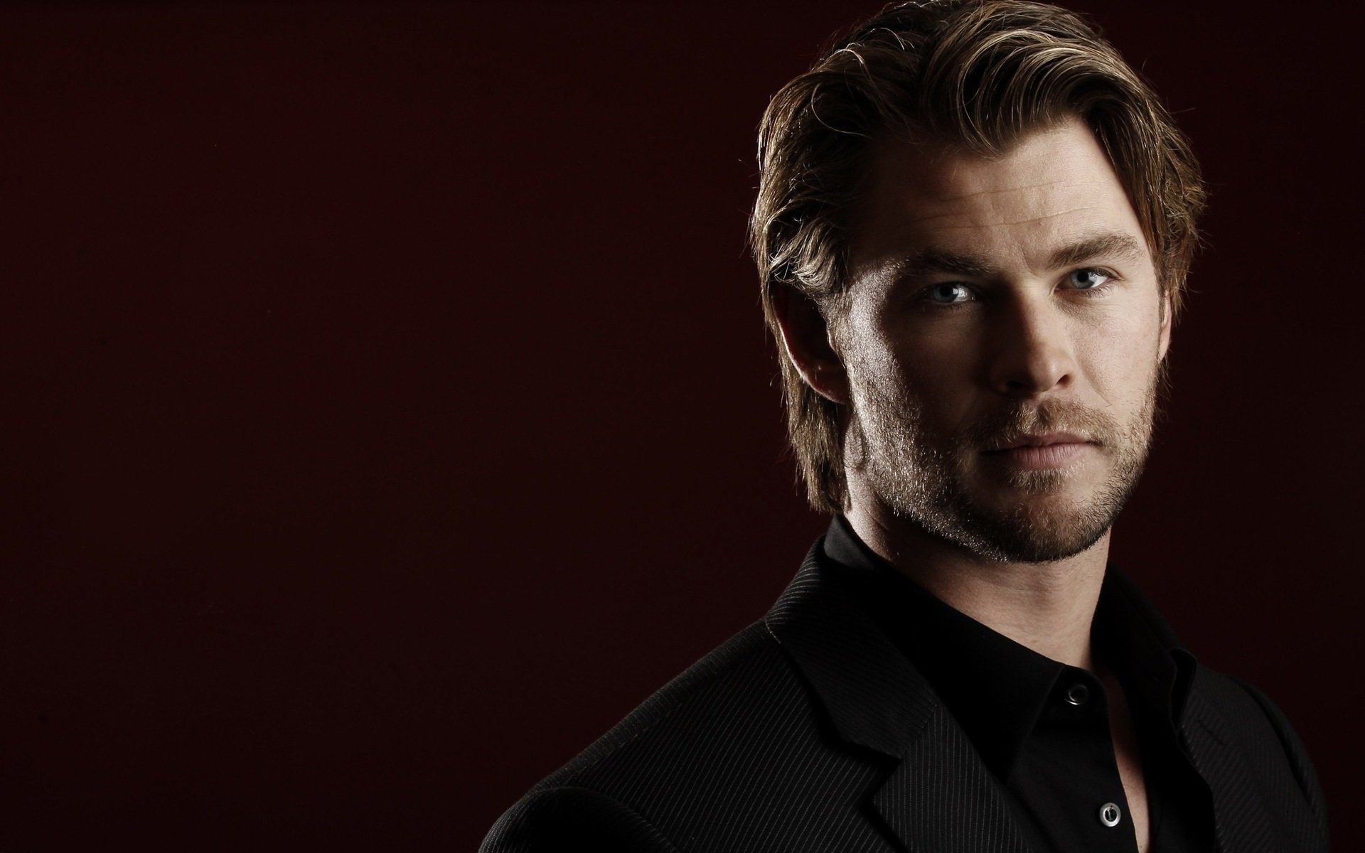 Chris Hemsworth Wallpapers High Resolution and Quality 1920x1200