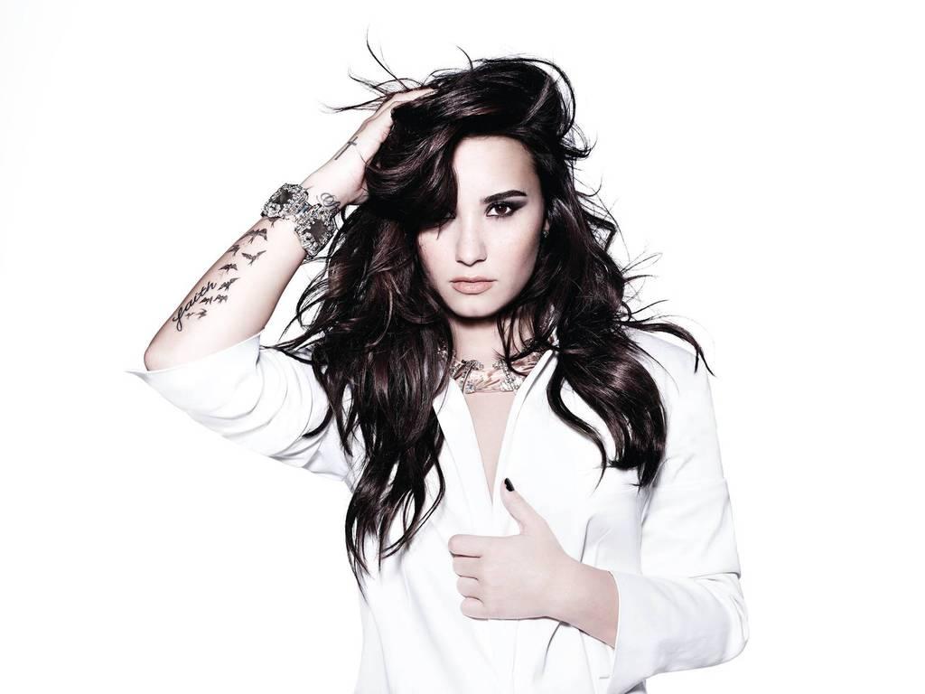 Demi Lovato 2015 1377353634 1024x768