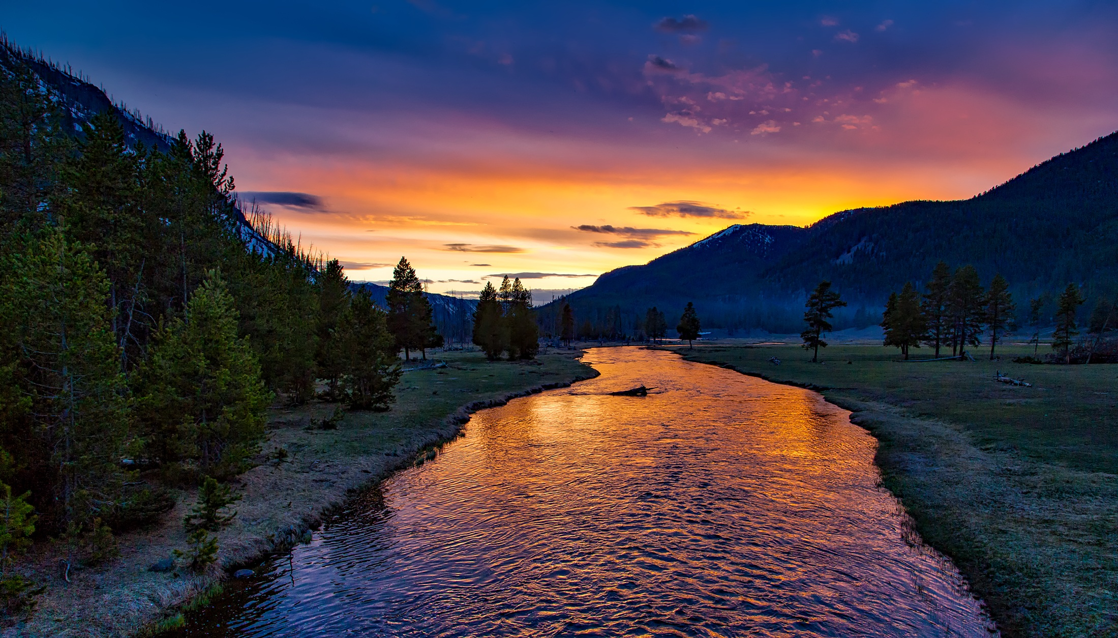 Yellowstone National Park and the Madison River HD Wallpaper 2199x1254
