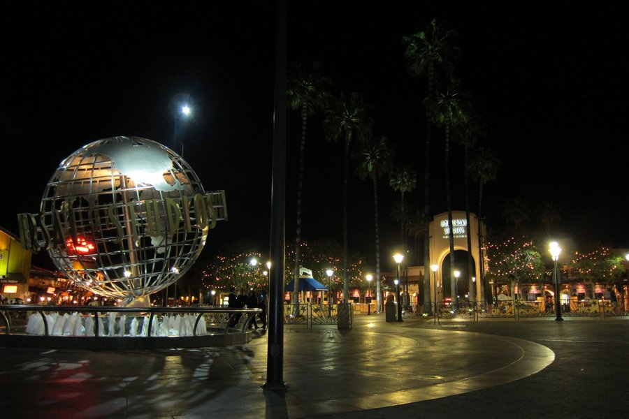 LA  Universal Studios Globe Night by elodie50a 900x600
