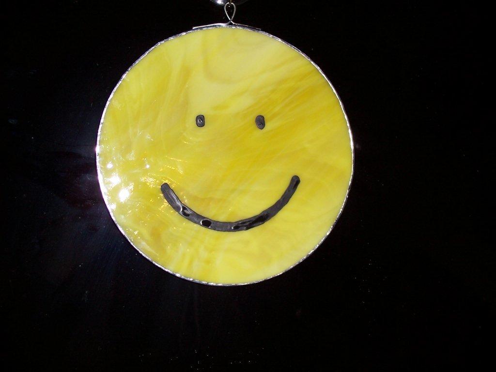 Go Back Images For Nirvana Smiley Face Wallpaper 1024x768