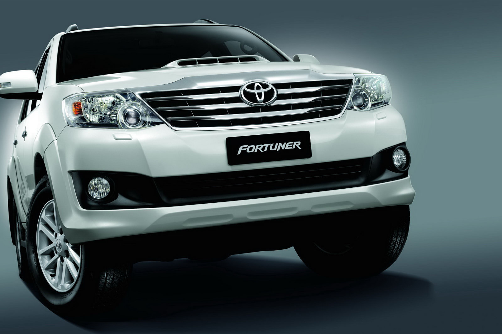 New Toyota Fortuner   Toyota Fortuner Wallpaper Desktop 1600x1066