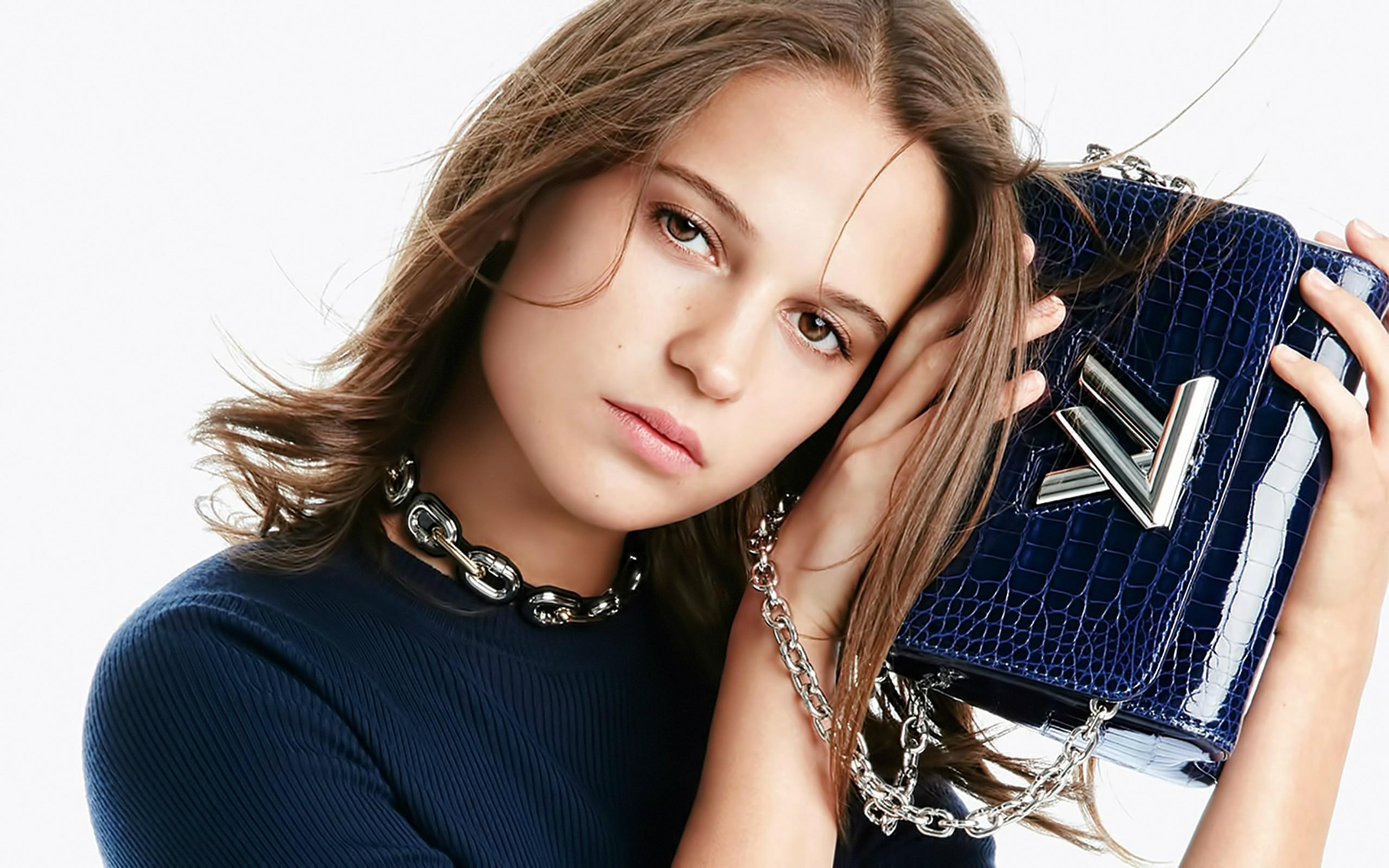 25 Beautiful HD Alicia Vikander Wallpapers 2560x1600