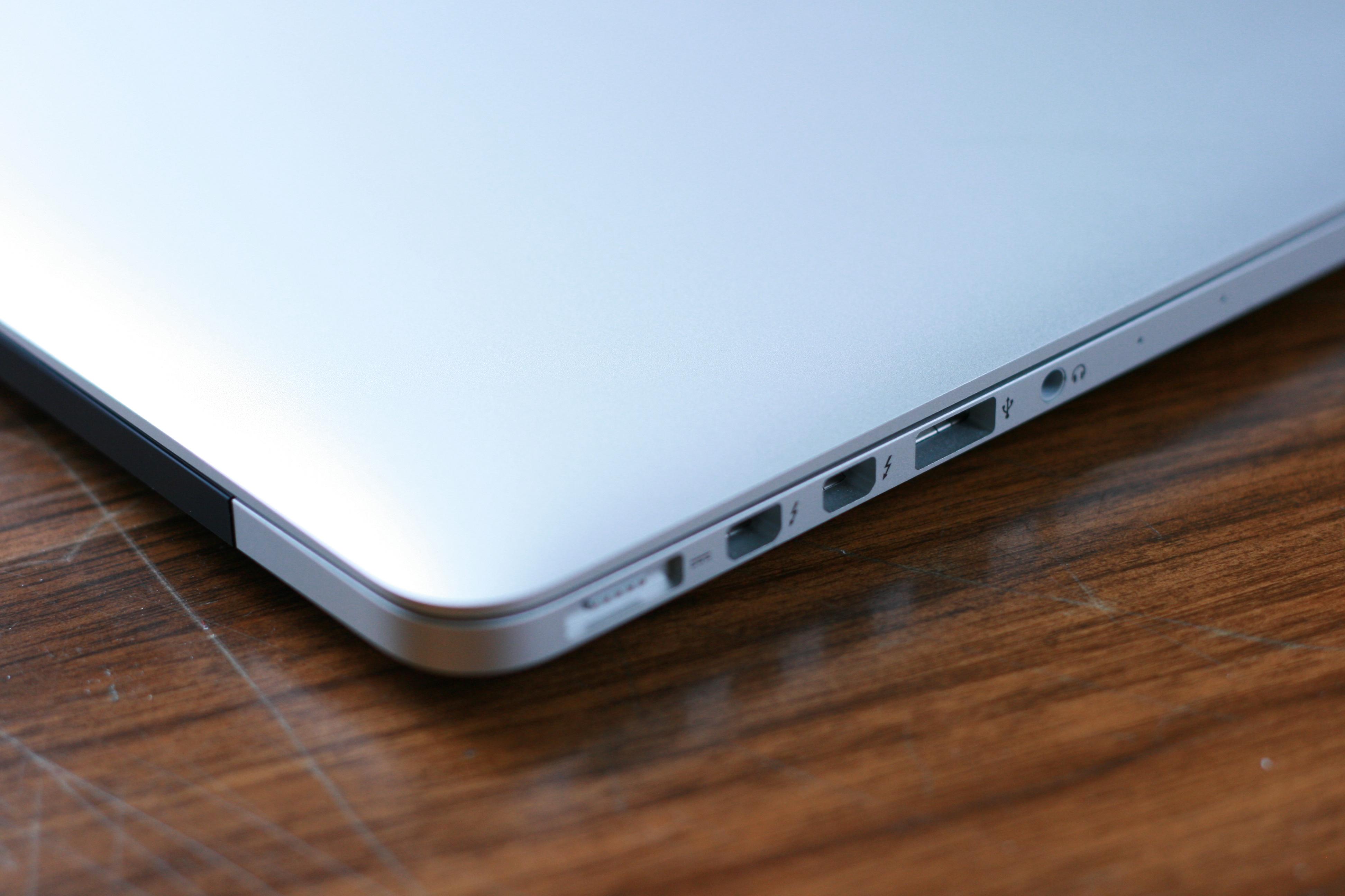 MacBook Pro vs MacBook Air 2015   wallpaper 3888x2592