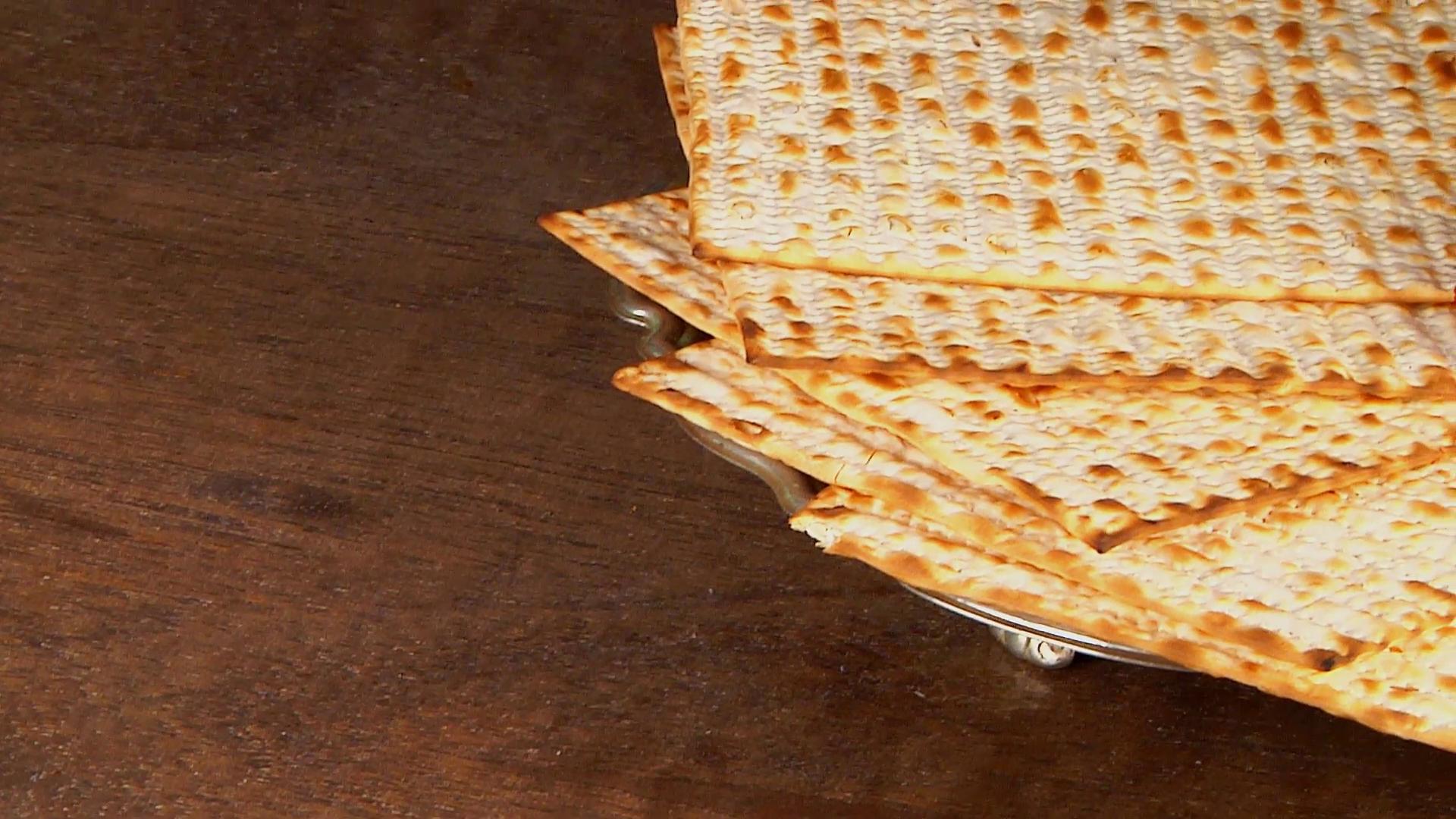 Pesach matzo passover with wine and matzoh jewish passover bread 1920x1080