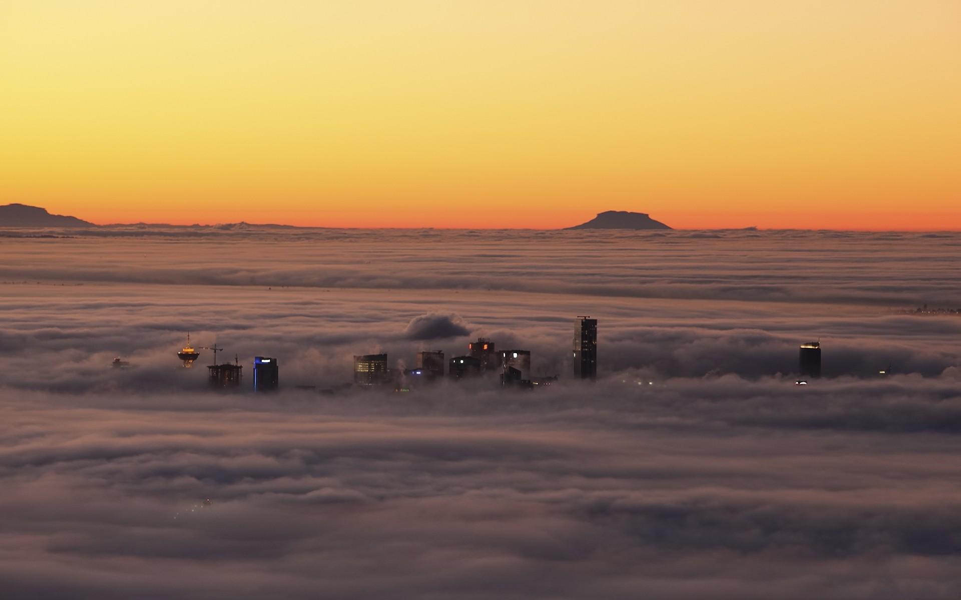 3d Wallpaper Vancouver au Canada dans les nuages vue plongeante 1920x1200