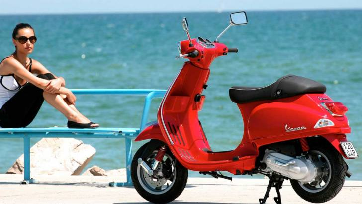 Piaggio and Vespa Offer Gas for One Year 728x410